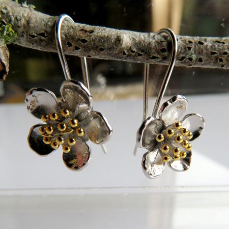 XP47 Manuka Drop Earrings